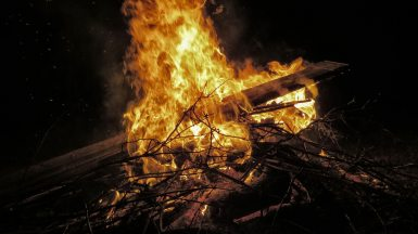 ash-bonfire-branches-266751